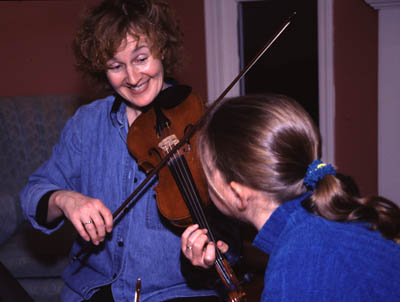Laurel Martin and her apprentice Betsy Sullivan, County Clare style fiddling, 2010; Westford, Massachusetts; Photography by Maggie Holtzberg